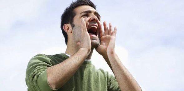 Βραχνή φωνή: Μπορεί να είναι καμπανάκι για την υγεία;